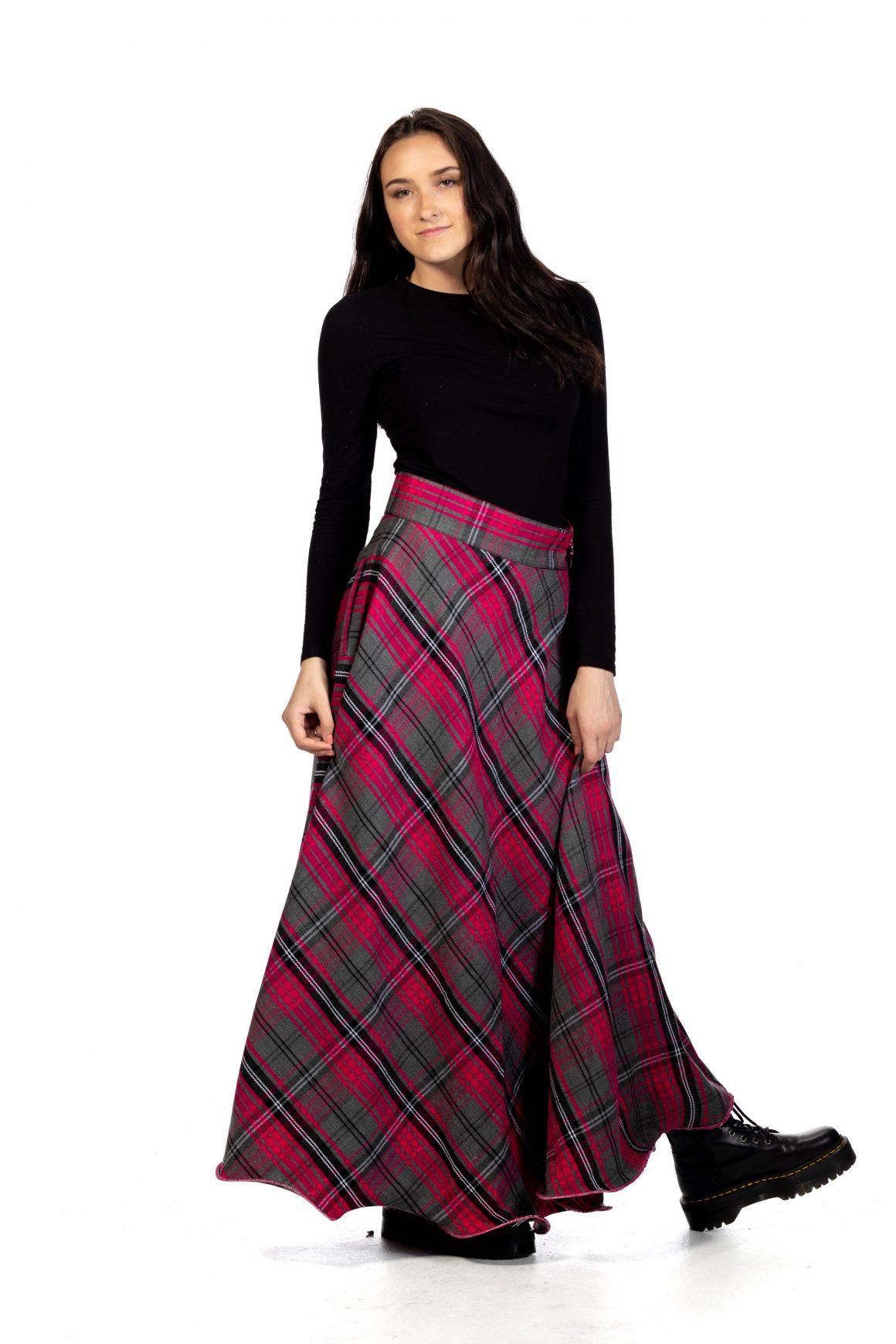Long Plaid Skirt - Button Zipped1